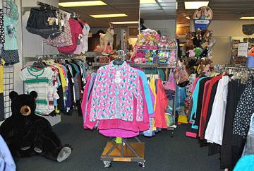 kids-clothes-seleciton